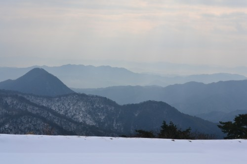 大平山からの眺めは墨絵のようでした。