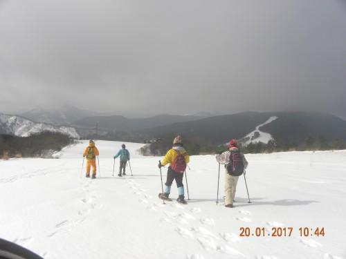 スキー場下へと降りて