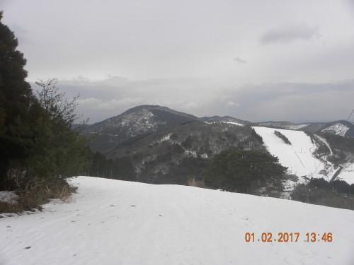 杉山が目の前