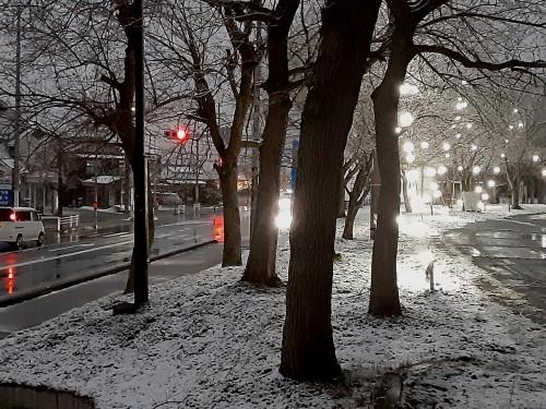 20201230_171117雪の降る町